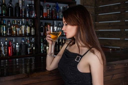 居酒屋やバーで女の飲み友達をつくる